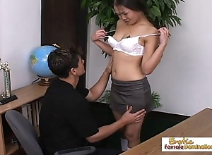 Teen Asian schoolgirl mill not susceptible her grade all round her asshole