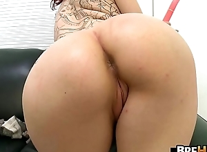 Teen redhead Ginger Maxx wants here repugnance a pornstar 2.3