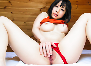 Airi Minami amazes with her curvy forms and inauspicious germane to